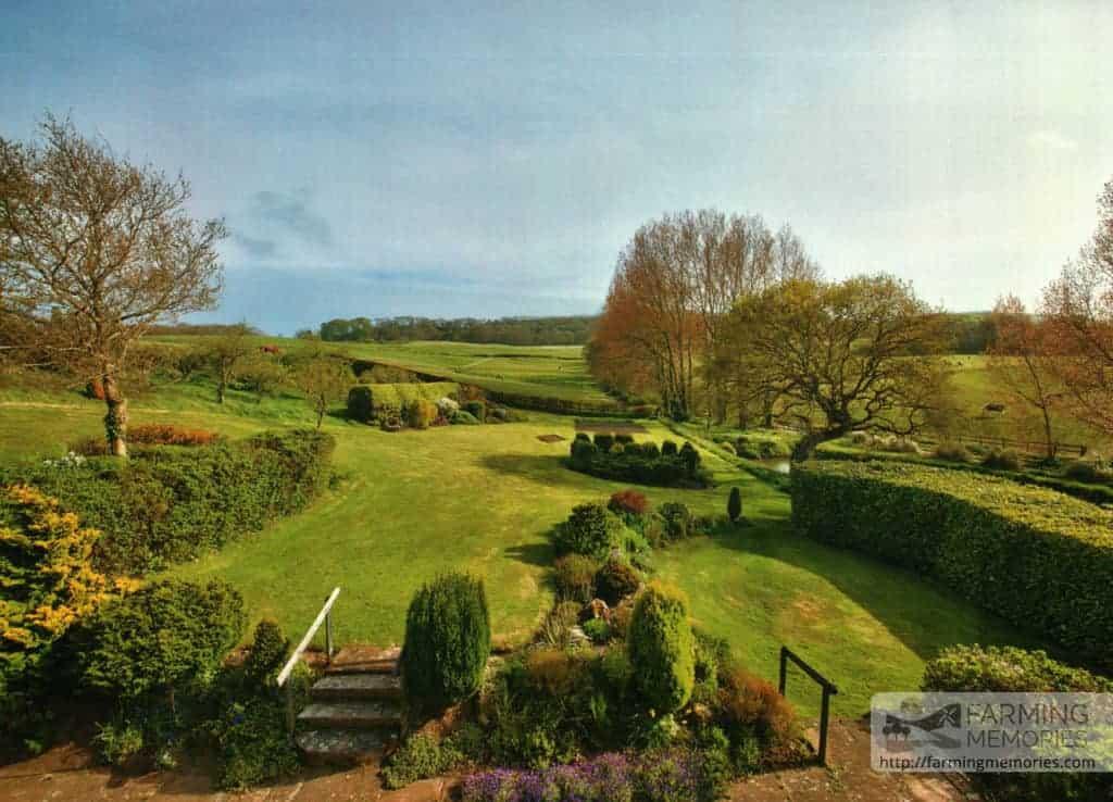 Arthur Mew's garden