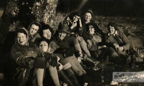 Beryl with other Land Army women